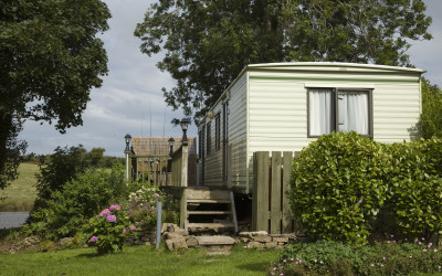 Massive 25% off in May – Cottages and Caravan